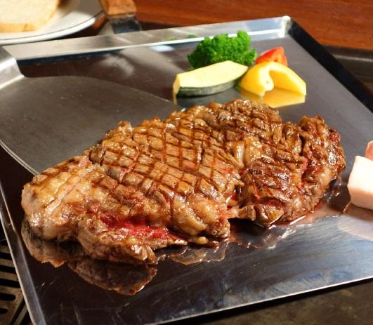お店で食べる_火の国ステーキ